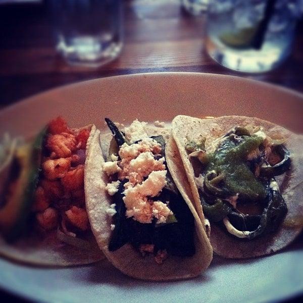 5/28/2012にJaimen S.がCariño Restaurant and Cantinaで撮った写真