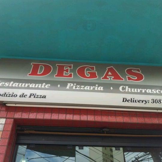 Foto tirada no(a) Degas por Denis O. em 2/10/2012