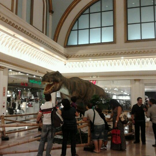 Foto tomada en Centro Comercial Gran Vía 2 por Mò A. el 10/11/2011