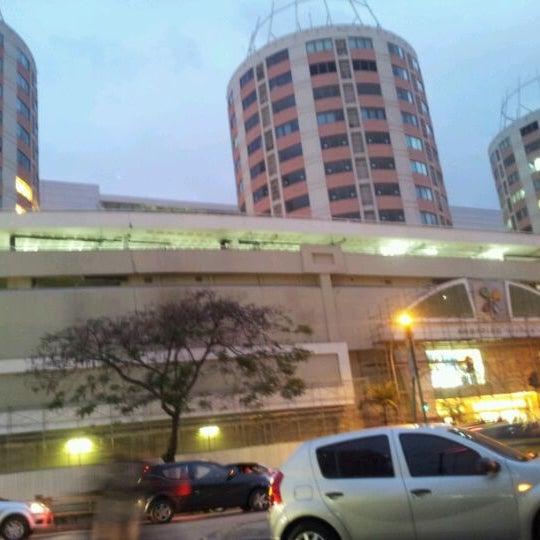 10/19/2011 tarihinde Leo V.ziyaretçi tarafından Shopping Tijuca'de çekilen fotoğraf
