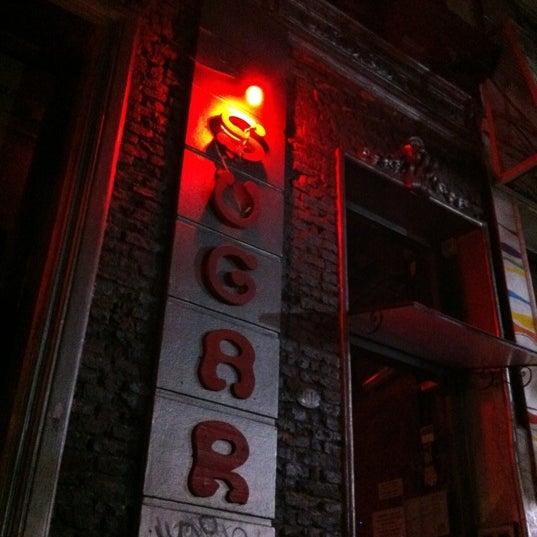 10/16/2011 tarihinde Tomerziyaretçi tarafından Sugar Bar'de çekilen fotoğraf