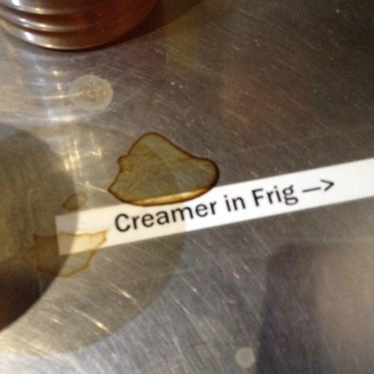 4/21/2012에 Victoria B.님이 Silverbird Espresso에서 찍은 사진