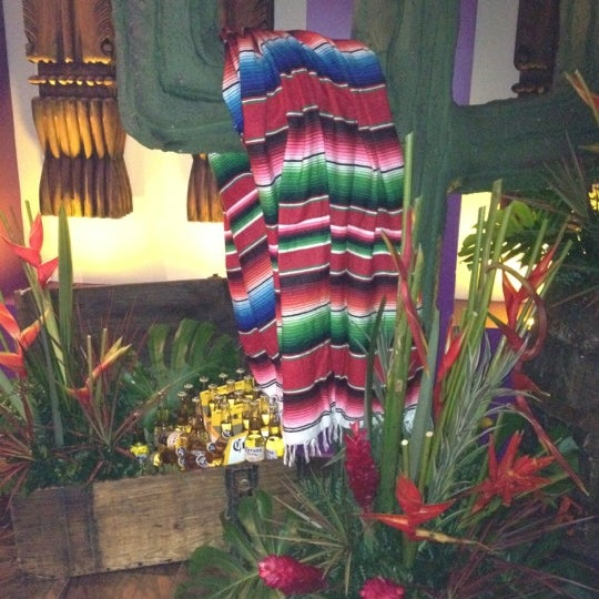 Foto tirada no(a) Rosa Mexicano Panamá por Gaby M. em 5/4/2012