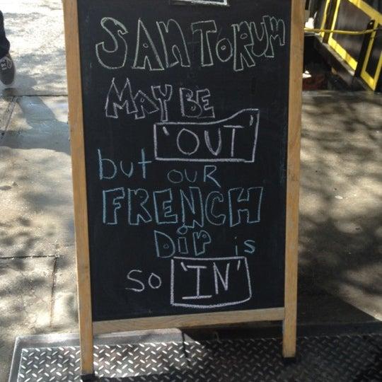 Foto tirada no(a) JoeDough Sandwich Shop por Arielle C. em 4/14/2012