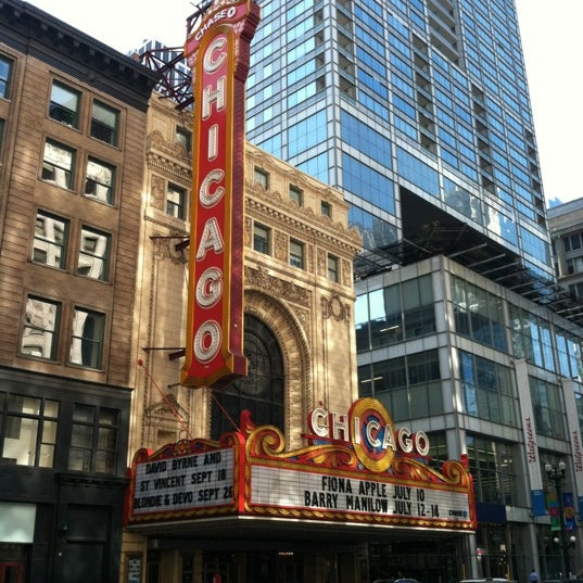 Foto scattata a The Chicago Theatre da Travis M. il 7/9/2012