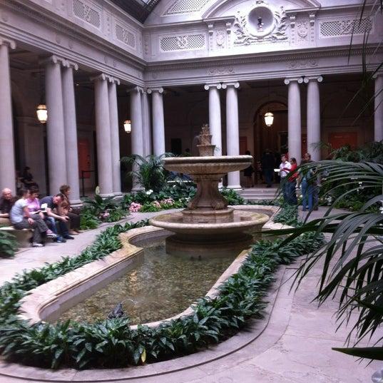 5/13/2012 tarihinde James P.ziyaretçi tarafından The Frick Collection'de çekilen fotoğraf