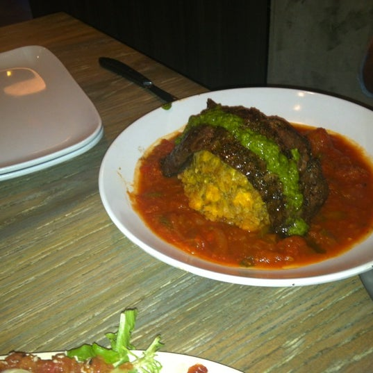 Das Foto wurde bei Jimmy'Z Kitchen Wynwood von Jessika G. am 6/21/2012 aufgenommen