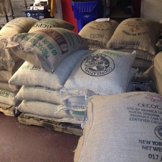 8/31/2012에 Mike D.님이 Third Coast Coffee Roasting Co.에서 찍은 사진