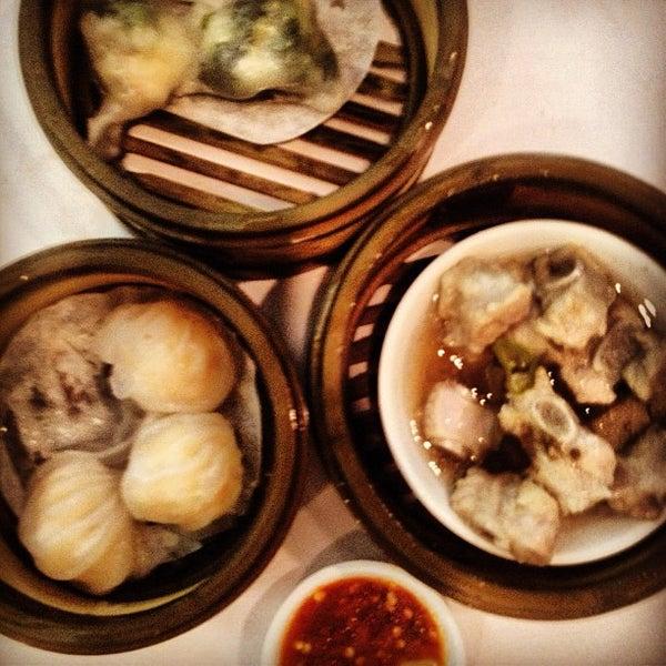 7/4/2012에 Nick L.님이 Oriental Garden 福臨門海鮮酒家에서 찍은 사진