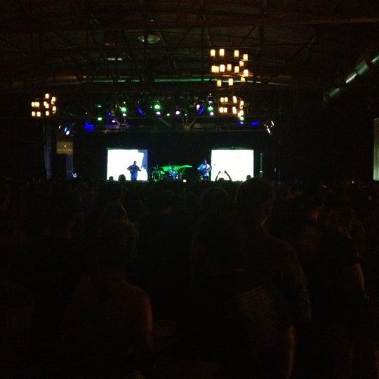 รูปภาพถ่ายที่ Warehouse Live โดย Bryan S. เมื่อ 5/12/2012