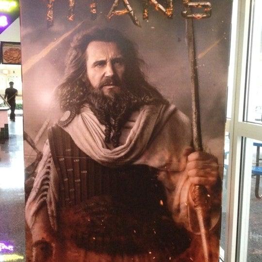 Снимок сделан в Autonation IMAX 3D Theater пользователем Doug C. 4/29/2012