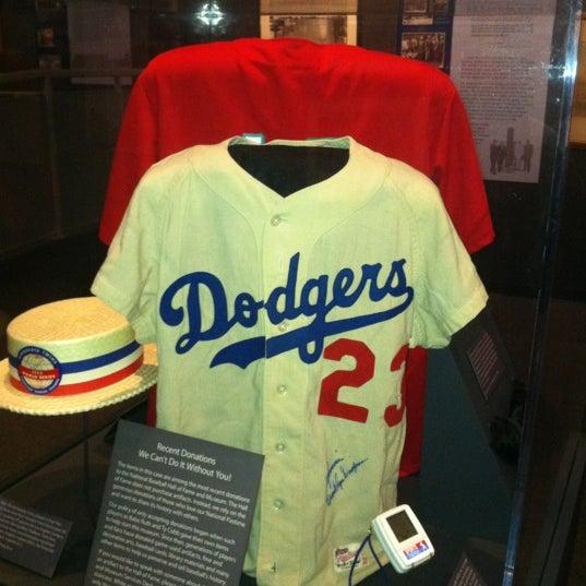 2/18/2012 tarihinde Porfirio P.ziyaretçi tarafından National Baseball Hall of Fame and Museum'de çekilen fotoğraf