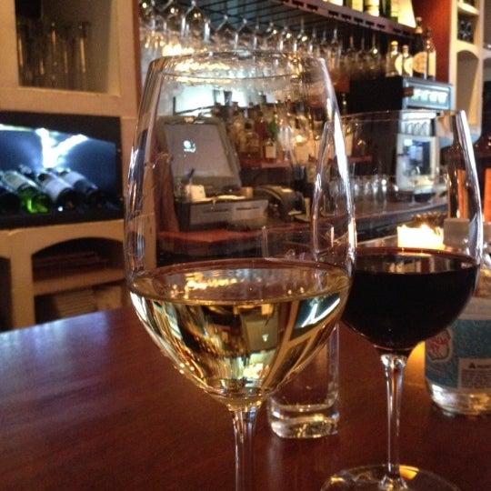 4/5/2012にMarie D.がThe Tangled Vine Wine Bar & Kitchenで撮った写真
