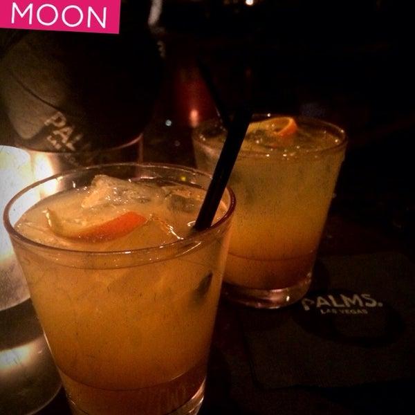 Photo prise au Moon Nightclub par Cathy V. le1/7/2014