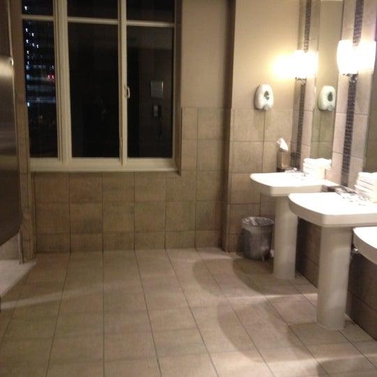 Снимок сделан в Magnolia Hotel пользователем Lon M. 12/16/2012