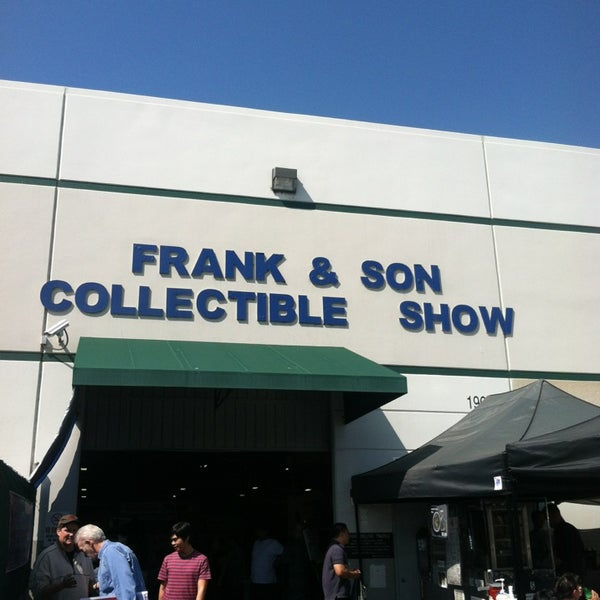 Foto scattata a Frank & Son Collectible Show da Victor V. il 3/16/2013