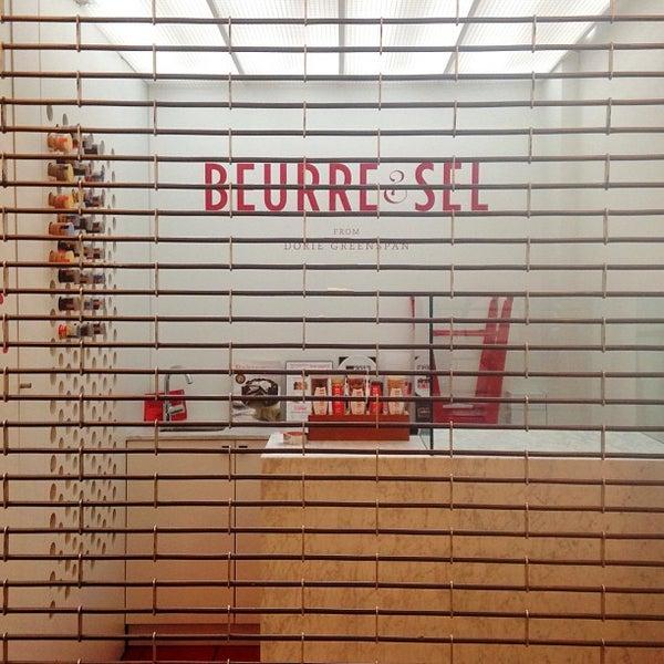 Das Foto wurde bei Beurre & Sel from Dorie Greenspan von Kira am 8/20/2013 aufgenommen