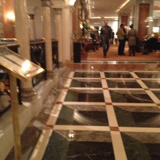 Foto scattata a Lotte New York Palace da Howard C. il 10/18/2012
