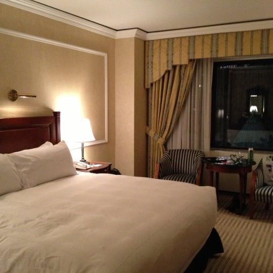Foto scattata a Lotte New York Palace da Howard C. il 10/17/2012