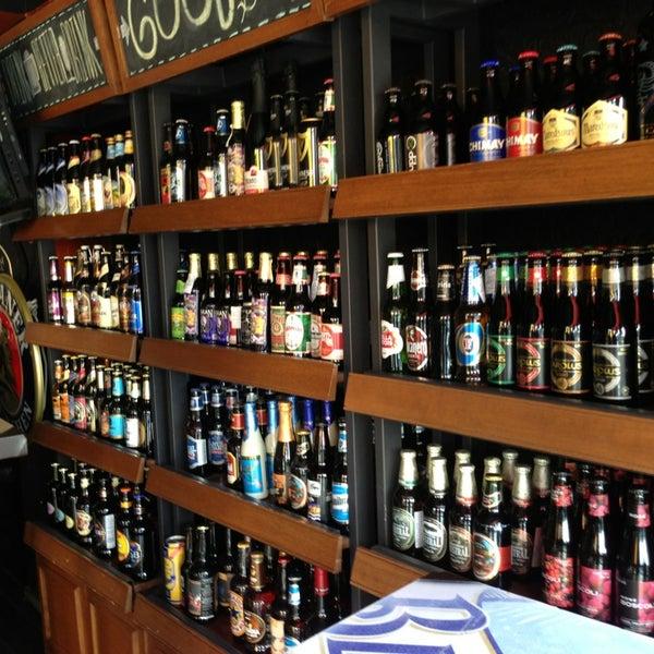 Foto tirada no(a) The Beer Box por René H. em 1/12/2013