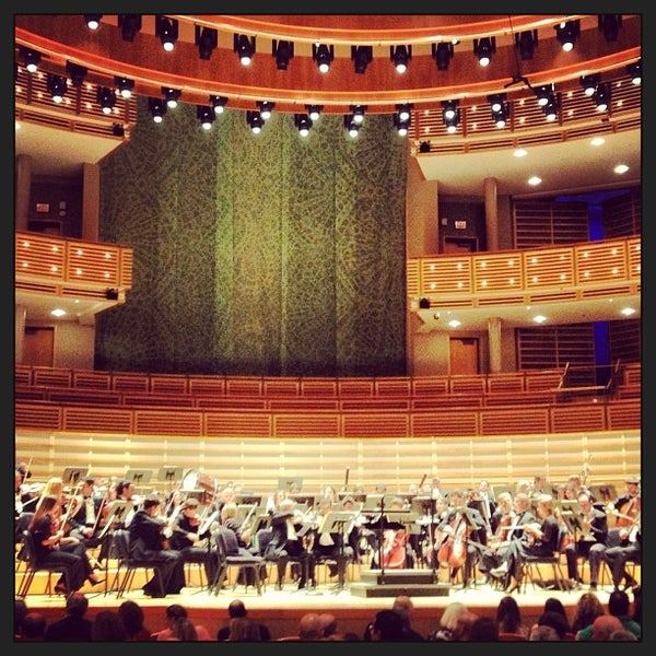 Foto tirada no(a) Adrienne Arsht Center for the Performing Arts por Kakum M. em 1/21/2013