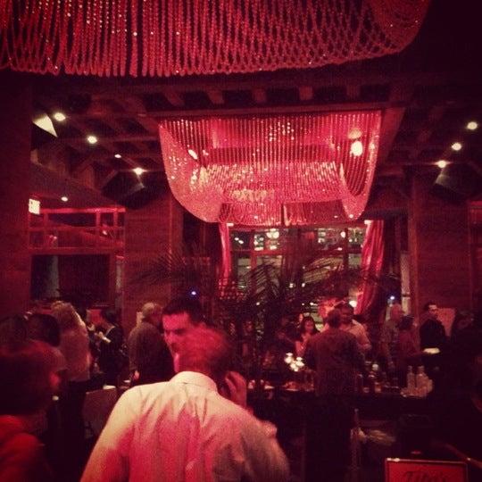 Foto tirada no(a) Hudson Terrace por Lara Z. em 11/9/2012