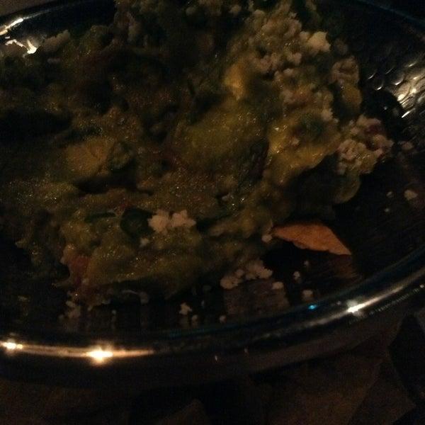 รูปภาพถ่ายที่ Maya Modern Mexican Kitchen + Lounge โดย Simon S. เมื่อ 4/18/2013