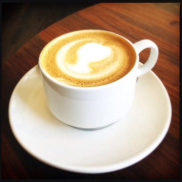 Das Foto wurde bei Cafe St. Jorge von Andy S. am 9/17/2013 aufgenommen