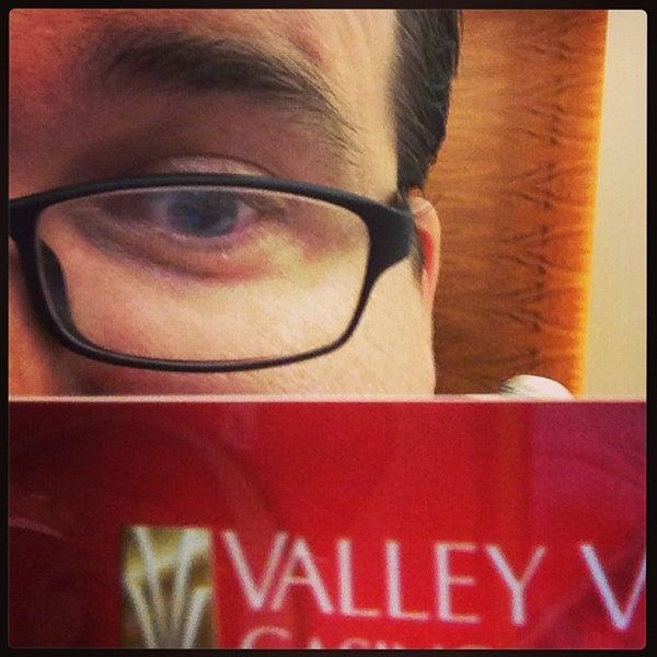 รูปภาพถ่ายที่ Valley View Casino & Hotel โดย Jon B. เมื่อ 8/18/2013