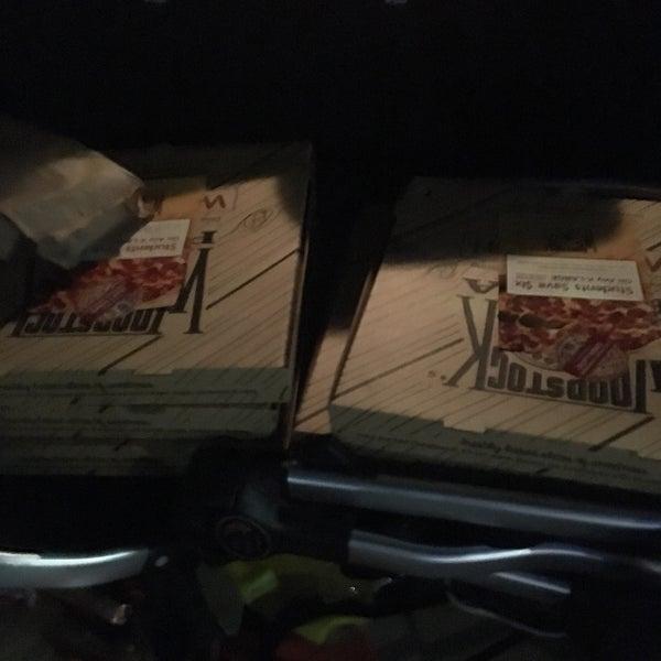 1/29/2019にZach S.がWoodstock's Pizzaで撮った写真