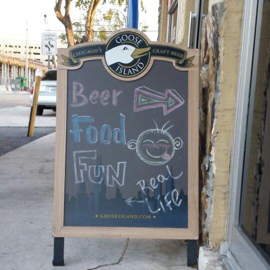 Снимок сделан в A&G Burger Joint пользователем Rebecca S. 3/16/2014