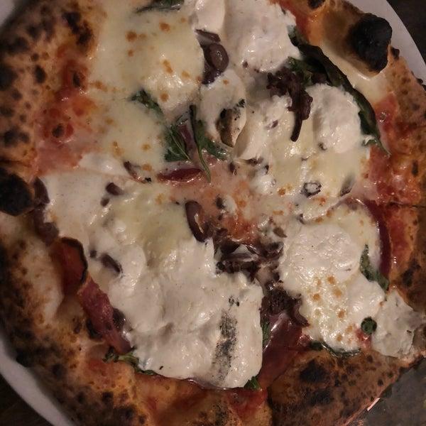 รูปภาพถ่ายที่ Sottocasa Pizzeria โดย Brea S. เมื่อ 11/24/2018