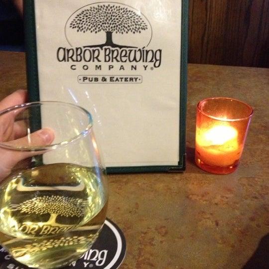 Foto tomada en Arbor Brewing Company por Elena N. el 10/10/2012