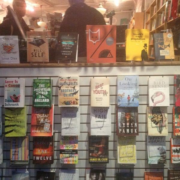 Das Foto wurde bei BookCourt von erin m. am 1/21/2013 aufgenommen