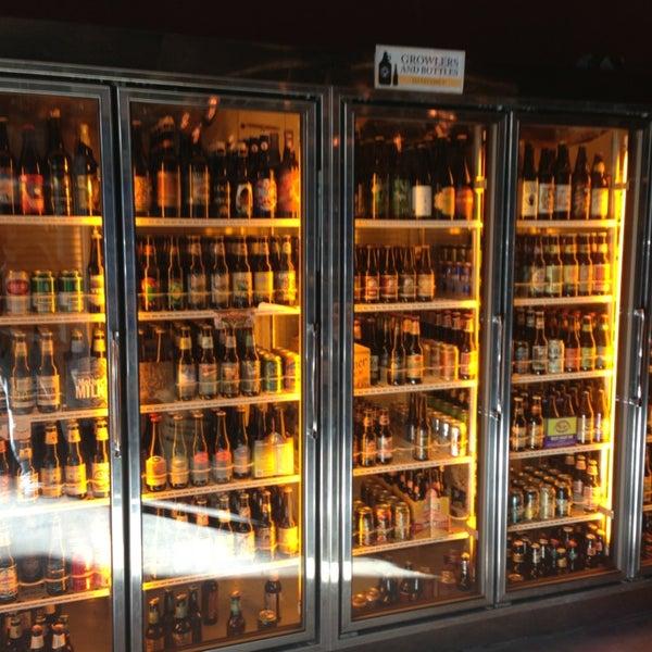 Foto scattata a Alphabet City Beer Co. da RC il 9/7/2013