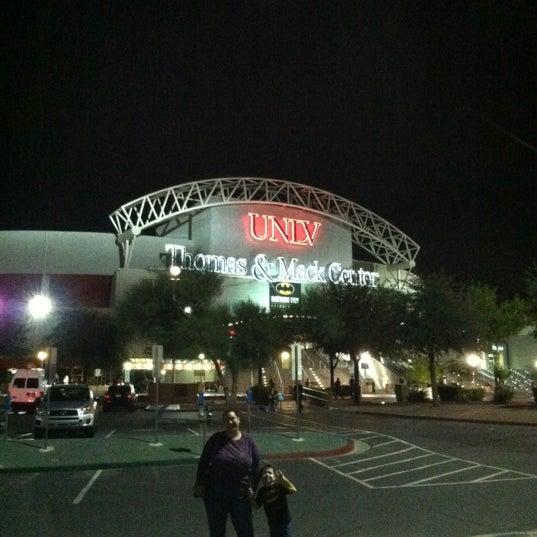 Das Foto wurde bei Thomas & Mack Center von Brian F. am 10/6/2012 aufgenommen