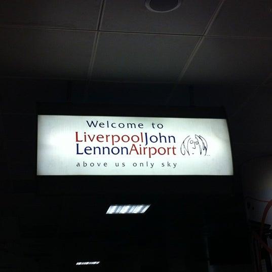 รูปภาพถ่ายที่ Liverpool John Lennon Airport (LPL) โดย Khalidah N. เมื่อ 9/22/2012