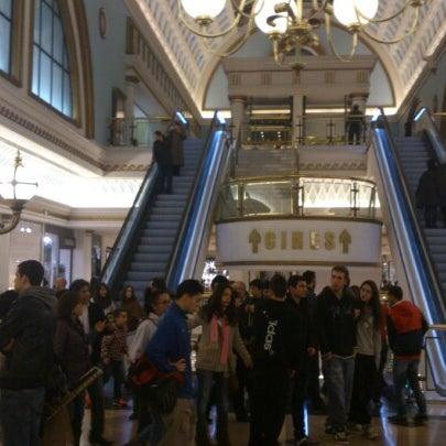 Foto tomada en Centro Comercial Gran Vía 2 por Pepe M. el 1/5/2013
