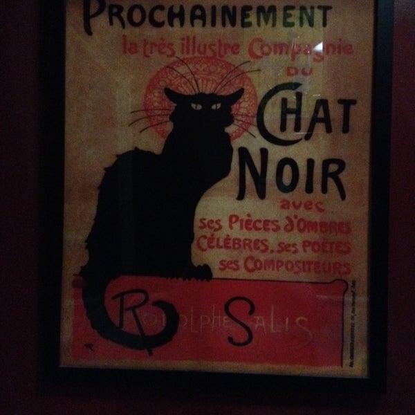 Foto diambil di Bistro Chat Noir oleh Bj F. pada 1/12/2014