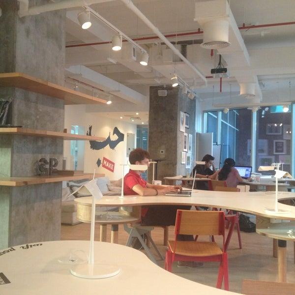 รูปภาพถ่ายที่ MAKE Business Hub โดย Ayman I. เมื่อ 5/27/2013