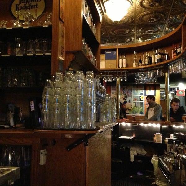 Das Foto wurde bei Pike Brewing Company von Ricky P. am 5/27/2013 aufgenommen