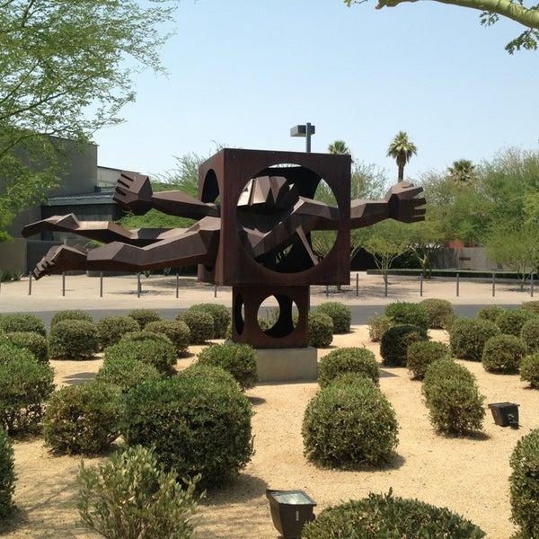 Снимок сделан в Phoenix Art Museum пользователем Ricky P. 6/30/2013
