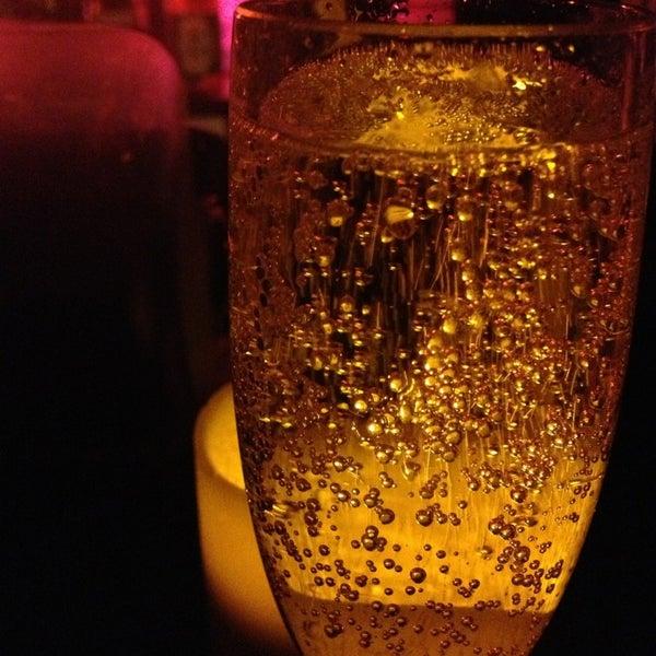 Foto scattata a Plunge Rooftop Bar & Lounge da Christina S. il 3/28/2013