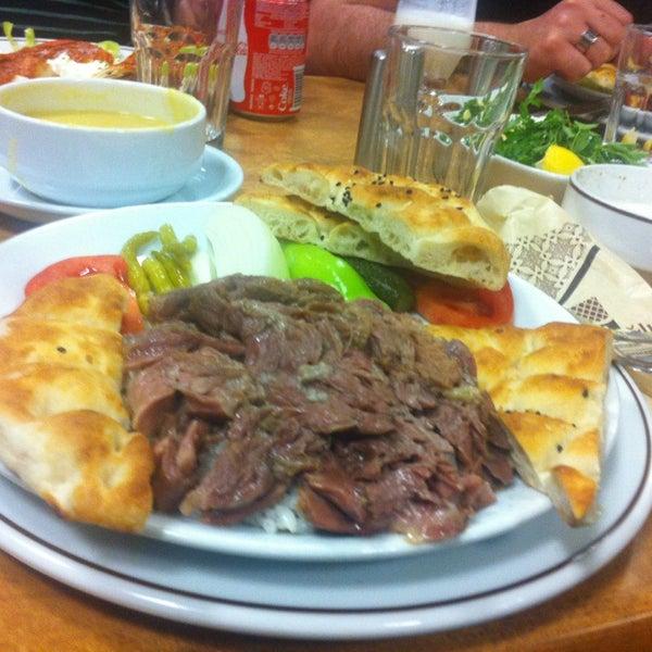 Снимок сделан в Çulcuoğlu Restaurant пользователем Selycan 🍃🍂 4/2/2013