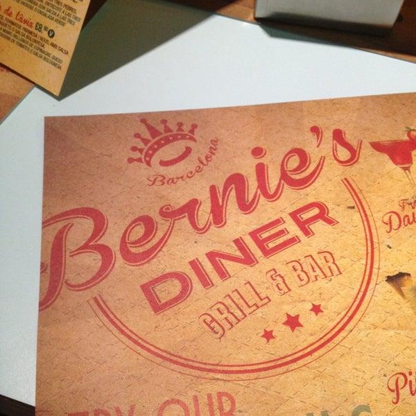Foto scattata a Bernie's Diner da Adrià C. il 5/18/2013