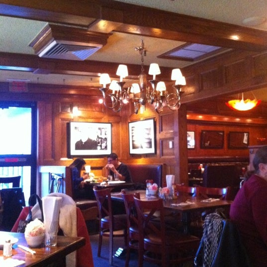 11/25/2012にFey Madison J.がCoach Houseで撮った写真
