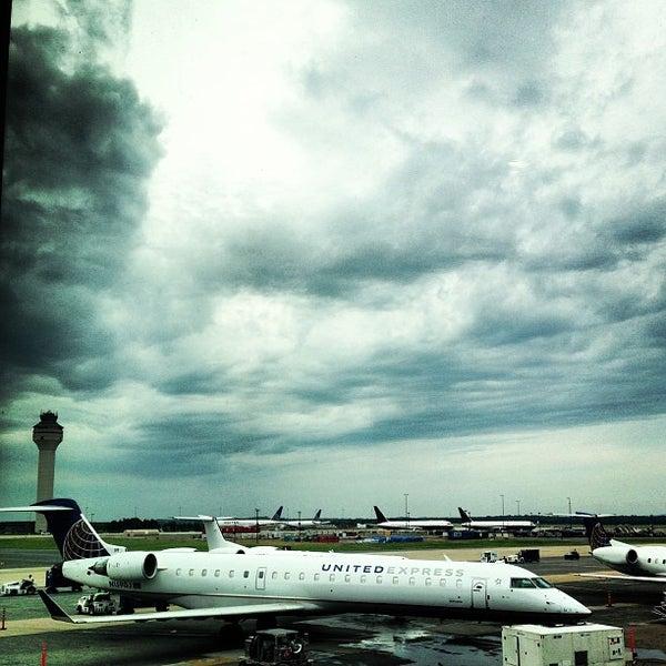 Снимок сделан в Вашингтонский аэропорт имени Даллеса (IAD) пользователем Jason C. 7/24/2013