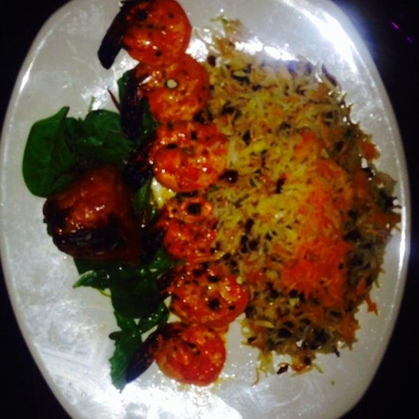 7/30/2014 tarihinde Lee F.ziyaretçi tarafından Sufi's Restaurant'de çekilen fotoğraf
