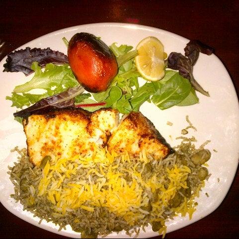 3/24/2014 tarihinde Lee F.ziyaretçi tarafından Sufi's Restaurant'de çekilen fotoğraf
