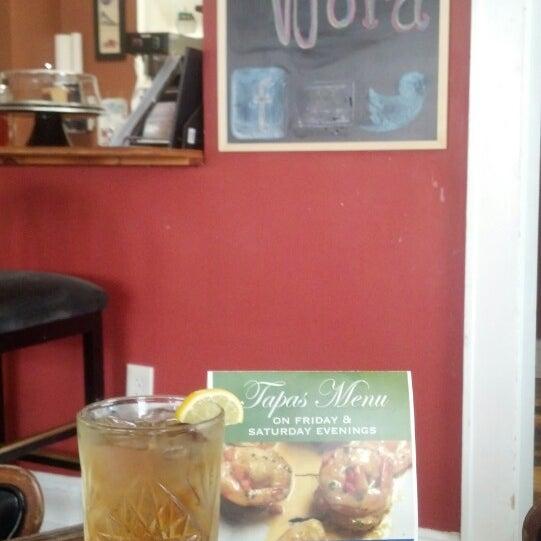 Foto tomada en Sweet Potato Café por Michael P. el 7/18/2014
